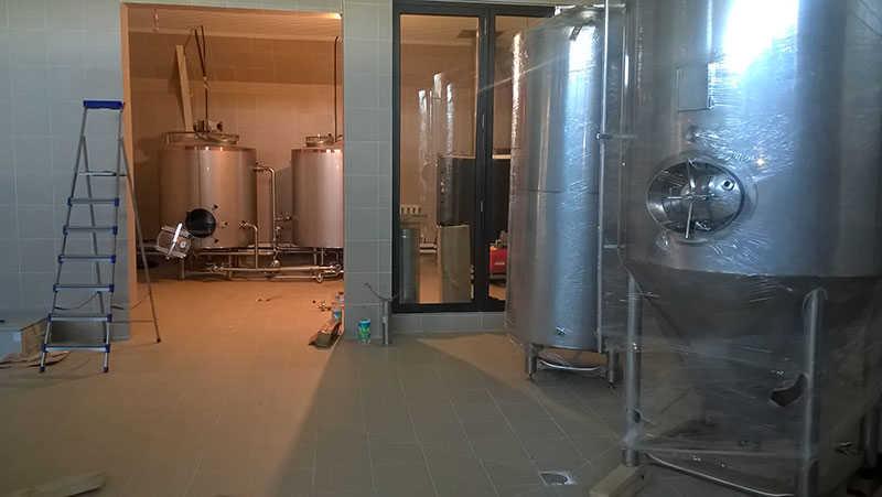 Монтаж мини-пивоварни